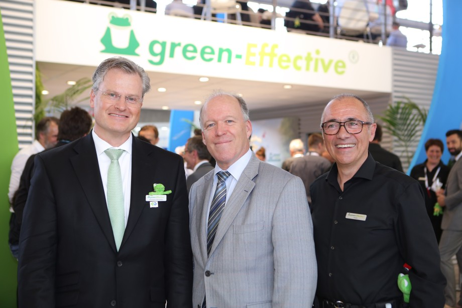 Promoting Circular Economy at the ISSA/Interclean 2016 (from left to right): Reinhard Schneider, owner and CEO of the Werner-Mertz GmbH, Dr. Hugo Maria Schally, Head of Unit Eco-Innovation and Circular Economy, Directorate General for the Environment of the European commission and Frank Vancraeyveld, CEO of tana-Chemie and Head of the Professional Division of the Werner & Mertz Group.